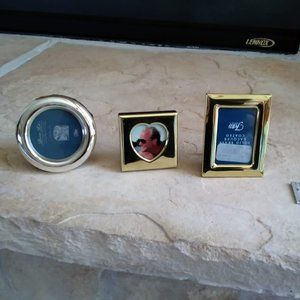 NWOT- 3 small photo frames